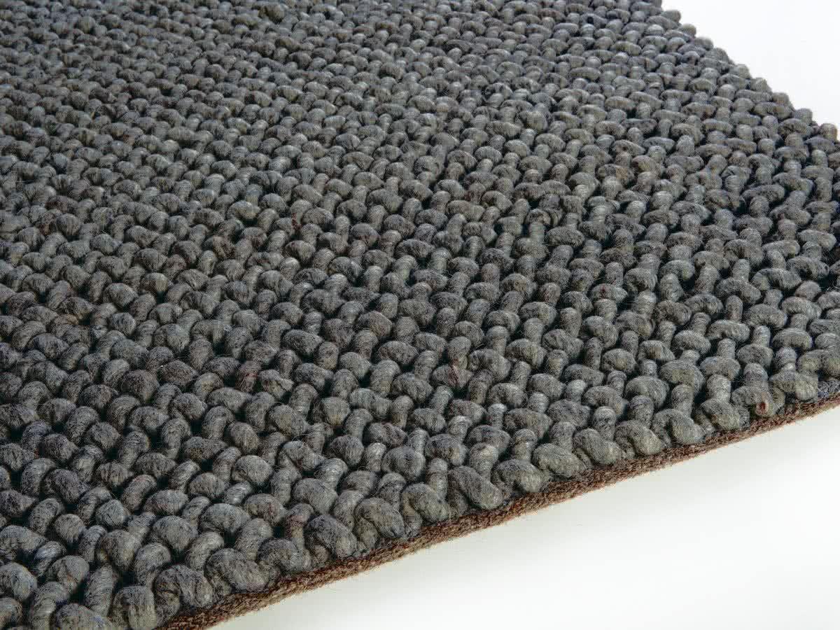 wollteppich reinigen wollteppich reinigen hausmittel so reinigst du einen wollteppich. Black Bedroom Furniture Sets. Home Design Ideas