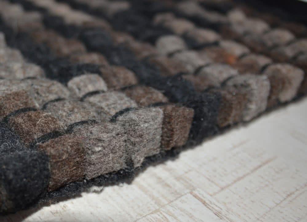 wollteppiche filzteppich naturwolle dochtgarn brau. Black Bedroom Furniture Sets. Home Design Ideas